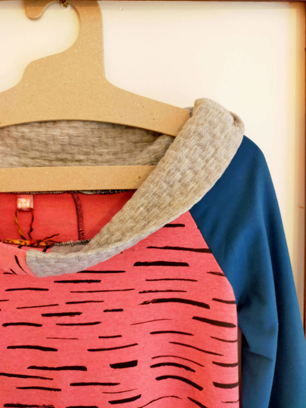 collection-hiver-robe-pull-cerise (1)